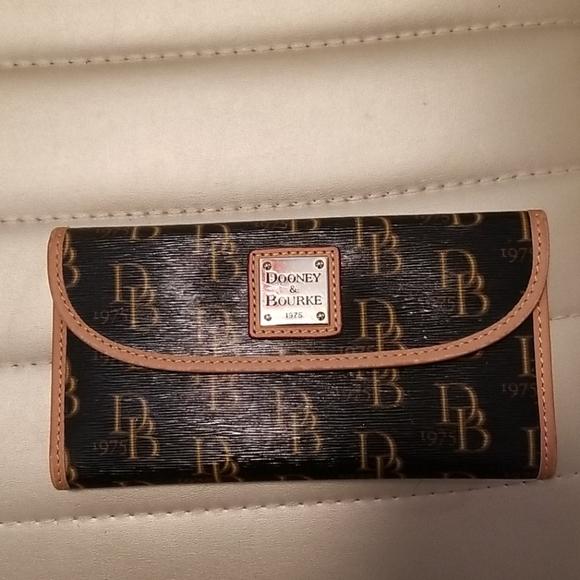 Dooney and Bourke wallet